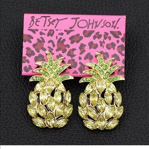 Beautiful Crystal Rhinestone Pineapple Earrings